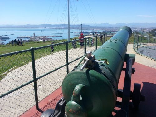 The view of the noon gun over Cape Town